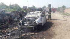 incendiaron un auto igual al que usaron para cometer un asalto