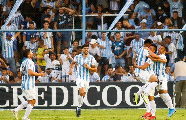 Atlético Tucumán sigue en alza y le tocó sufrirlo a Patronato