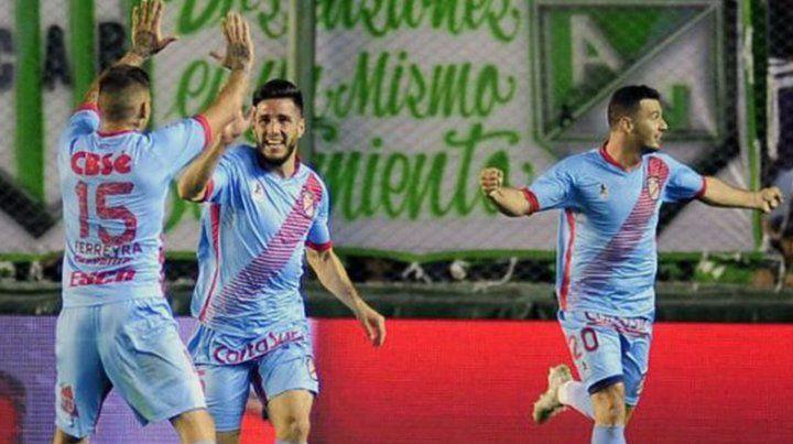 Arsenal se topa con el complicado Central Córdoba