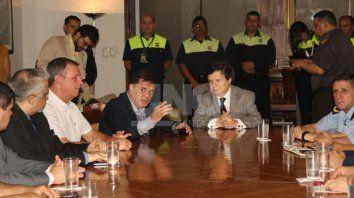 el gobierno paraguayo impedira el ingreso de 150 hinchas de colon