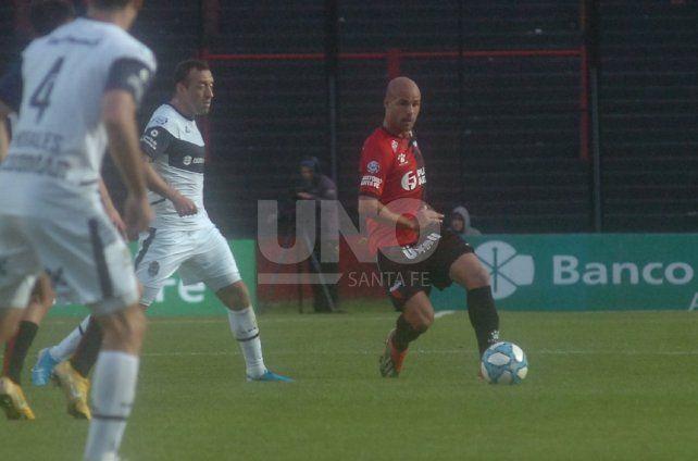 Colón con el cuerpo en la Superliga y la cabeza en la Copa