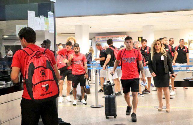 Así llegó Colón a Asunción a la espera de la histórica final de la Sudamericana