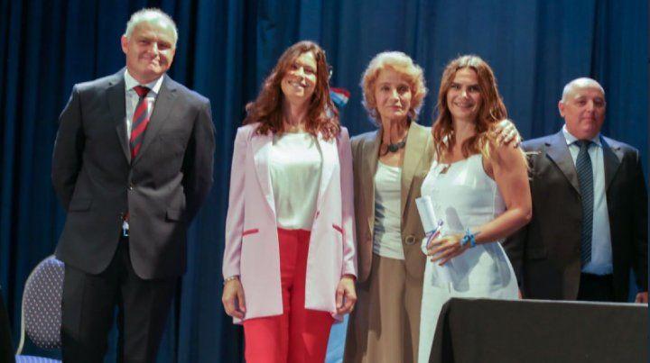 El lunes Amalia Granata recibió el diploma de diputada electa de la mano de la presidenta de la Corte Suprema de Justicia