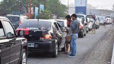 colapsaron las rutas y la aduana para ingresar a paraguay por el exodo sabalero