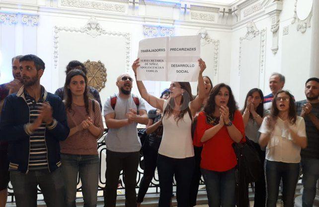 Este martes reclamaron durante un acto oficial en los pasillos de la casa gris.