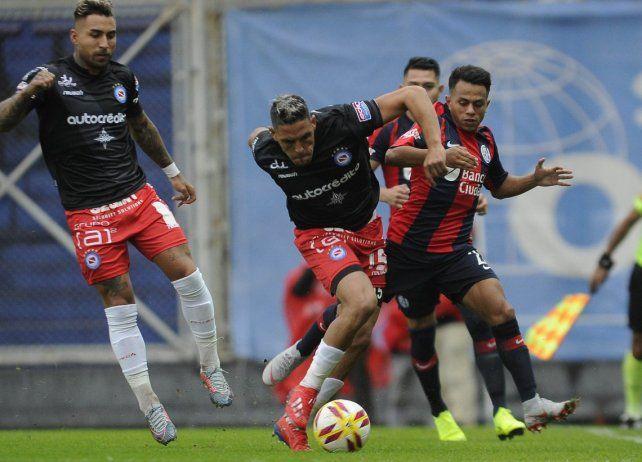 Argentinos arriesga la punta en su visita a San Lorenzo