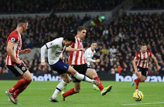 Tottenham agudizó su mal presente en la Premier League