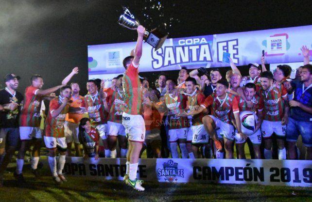 Sportivo Las Parejas se quedó con la Copa Santa Fe