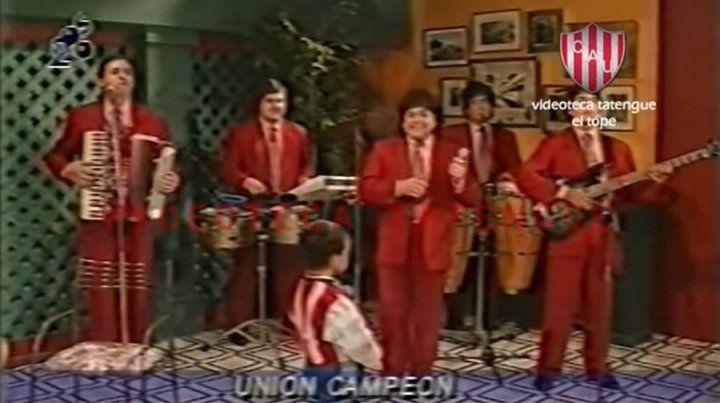 Gran polémica por el video de Los Palmeras cantando Tate campeón