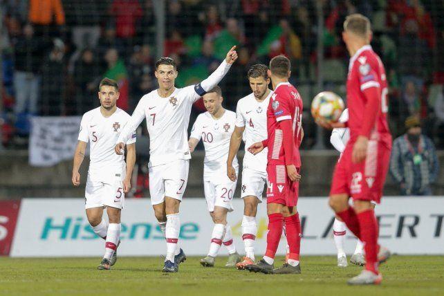 Ronaldo llevó a Portugal a la Euro 2020 y quedó a un gol de los 100