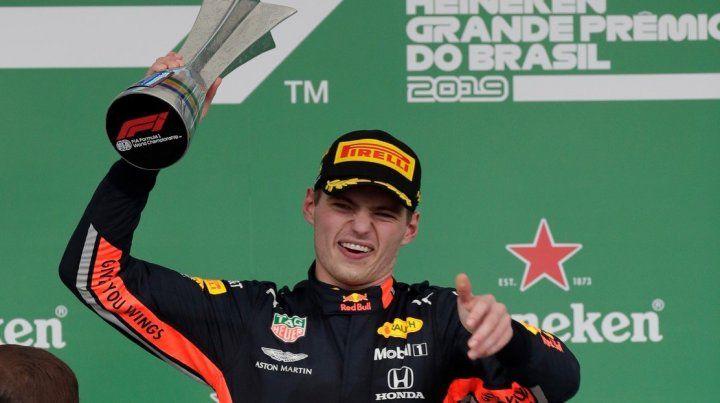Verstappen se quedó con una carrera picante en Interlagos