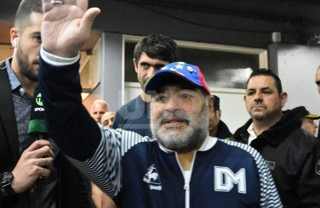 Maradona le anunció al plantel su salida de Gimnasia (LP)