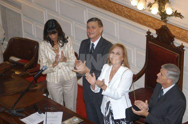 Hermes Binner y Griselda Tessio ante la asamblea legislativa
