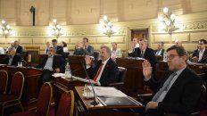 en un jueves cargado de tensiones el senado aprobo el presupuesto