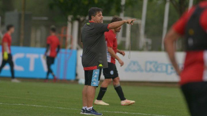 Caruso Lombardi perfila el primer equipo titular desde su llegada a Belgrano