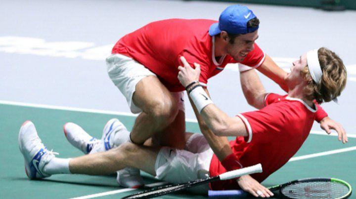 Rusia superó a Serbia y se instaló en semifinales de la Copa Davis