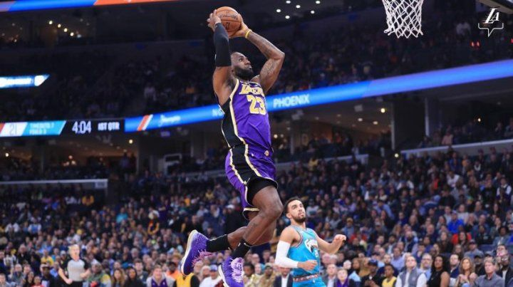 Los Lakers y los Bucks siguen imparables en la NBA