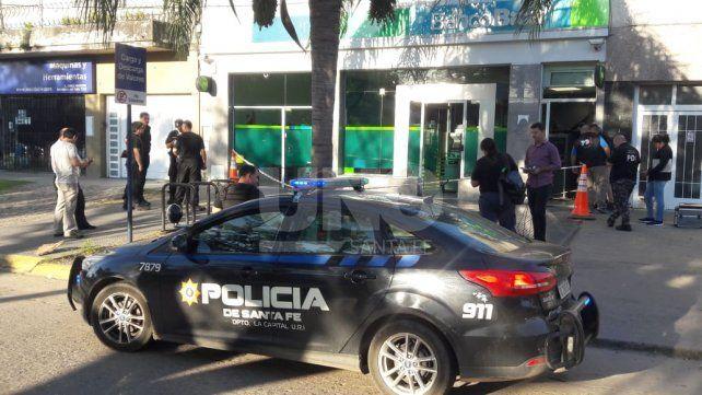 Intentaron robarse dos cajeros automáticos de un banco Bica