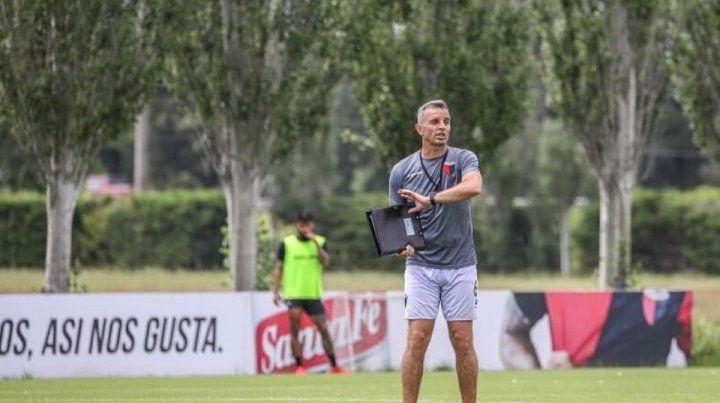 Lavallén rompe el molde para visitar a Vélez en Liniers