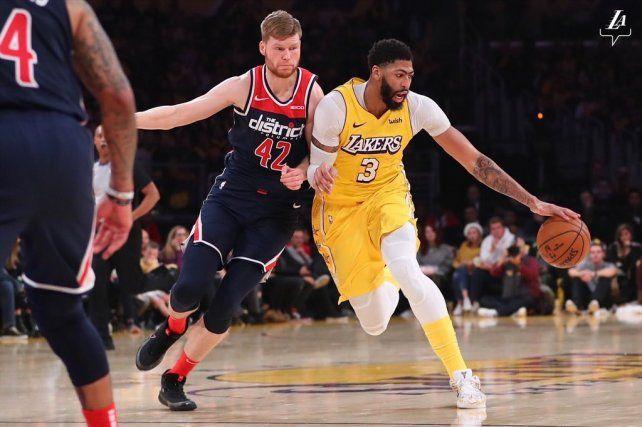 Los Lakers cosecharon su décimo triunfo y siguen imparables en el Oeste