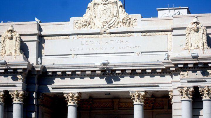 Perotti jurará ante la Asamblea Legislativa