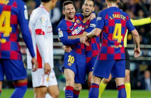 Messi festejó su sexto balón de oro con otro hat-trick