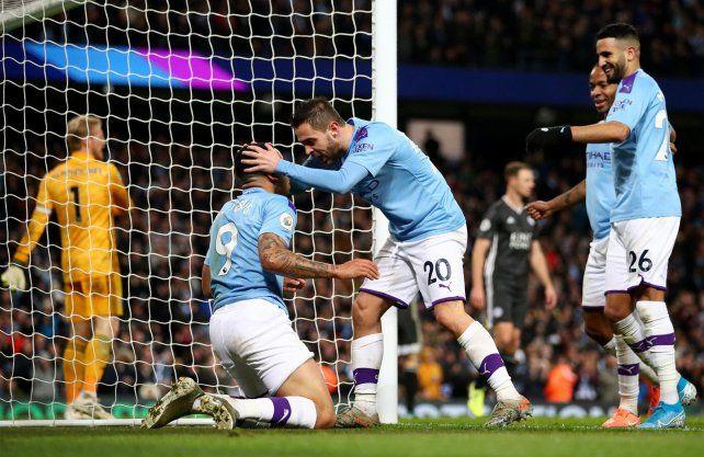 Manchester City necesita vencer a Chelsea para evitar la coronación anticipada de Liverpool.