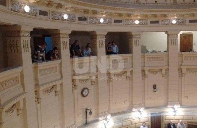 El ministro de Gobierno, Esteban Borgonovo, siguió parte de la sesión desde las gradas.