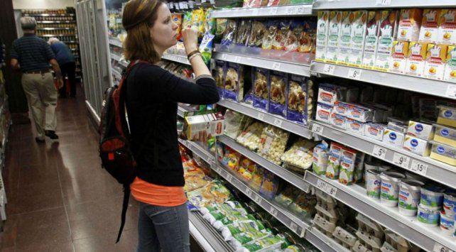 IVA a los alimentos: acuerdan una suba del 7 por ciento