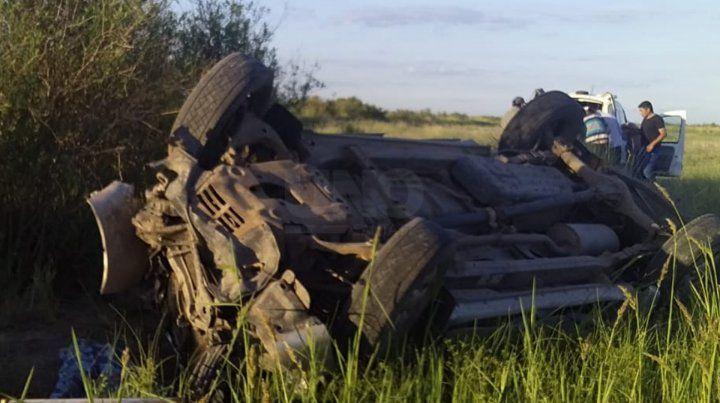 En total viajaban 9 personas dentro de la camioneta volcada