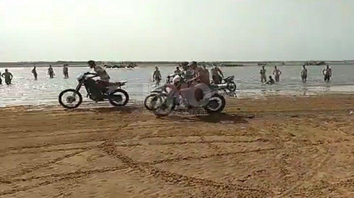 Picadas ilegales de motos y cuatriciclos en El Chaquito