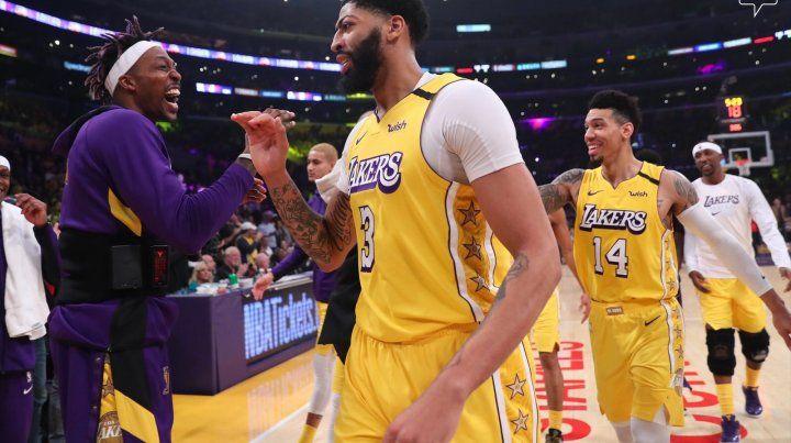 Gran actuación Anthony Davis para la victoria de Lakers