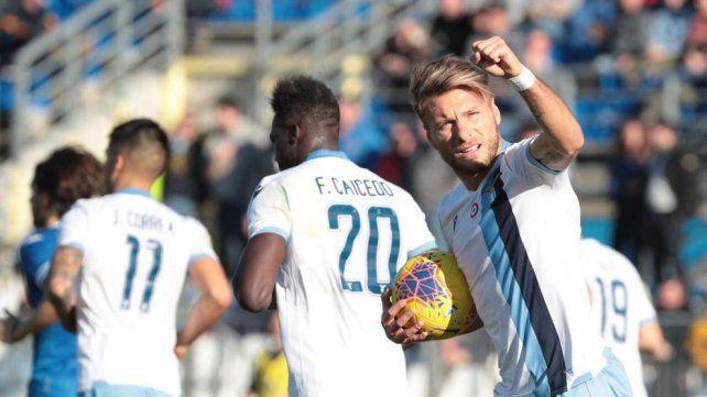 Lazio ganó sobre la hora y le metió presión a Inter y Juventus