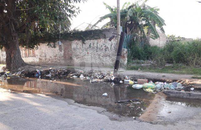 El ingreso al populoso barrio San Lorenzo por calle Entre Ríos