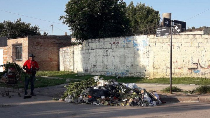 El ingreso al populoso barrio San Lorenzo por calle Entre Ríos muestra
