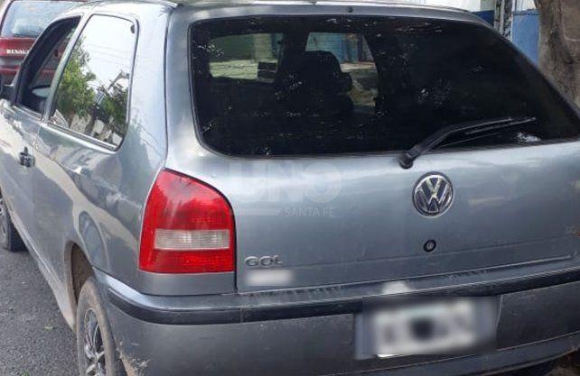 El auto en el cual protagonizó la persecución el detenido.