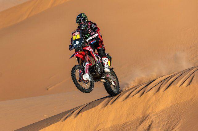 Benavides se tomó revancha al ganar la 7ª etapa del Dakar en motos