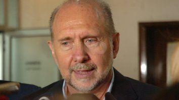 El gobernador dio declaraciones públicas después de la primera hora de reunión con el intendente Emilio Jatón.