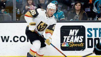 video: un jugador de hockey sobre hielo perdio varios dientes con un tremendo golpe