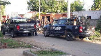 Allanamientos en barrio Coronel Dorrego.