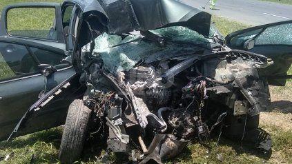 Peligra la vida de una mujer luego de un siniestro en autopista