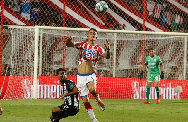 El defensor Calderón cumple su cuarentena en Chaco.