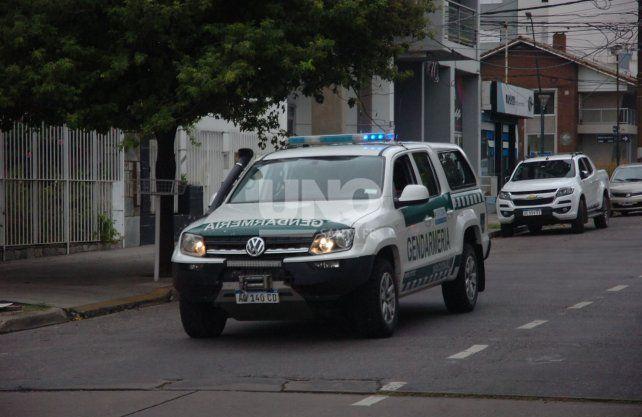 Gendarmería recorre las calles advirtiendo sobre las recomendaciones por el coronavirus.