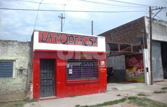 La Poderosa se ubica en JJ Paso 3971.