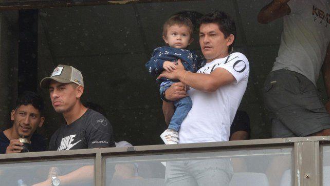 Pulga Rodríguezaprovecha para estar con su familia, entrenar a distancia para Colón y para tener actividad en Instagram.