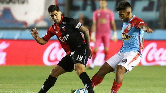A Gastón Díaz se le termina el contrato en Colón y su futuro estaría en Gimnasia de La Plata.