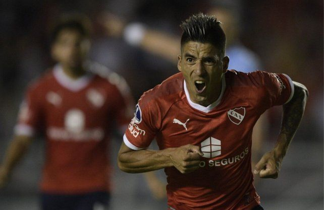 El santafesino Leandro Fernández no seguirá en Independiente y ¿se aviva el sueño de Colón?