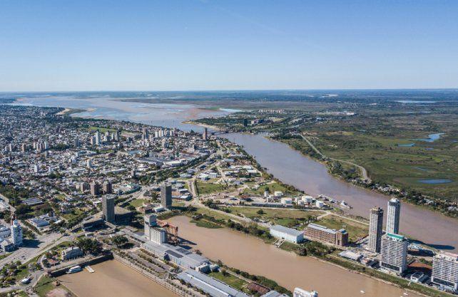 La bajante del río Paraná muestra un escenario diferente de la laguna Setúbal con muy poca agua.