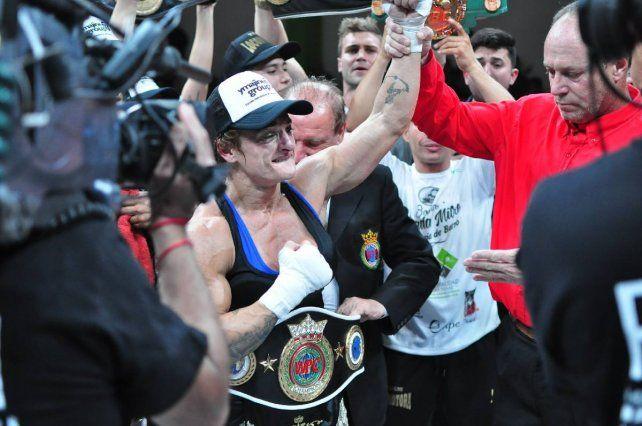 La boxeadora jujeña Alejandra Oliveras pero radicada en Santa Fe lucha por la igualdad en todo sentido.