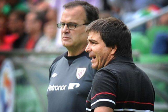 Claudio Vivas, candidato a DT de Unión, trabajó mucho tiempo como AC de Marcelo Bielsa.